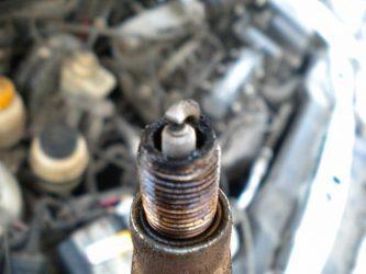 Почему детонирует двигатель после выключения зажигания?
