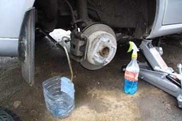 Как заменить тормозную жидкость без прокачки тормозов?