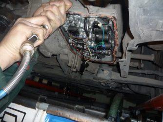 Когда менять масло в коробке передач автомат?