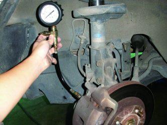 Какое давление в тормозной системе легкового автомобиля?