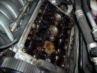 Как попадает бензин в масло двигателя?