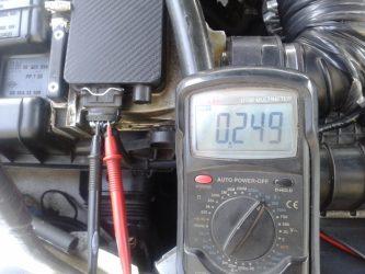 Как проверить исправность датчика массового расхода воздуха?