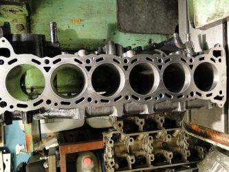 Что значит гильзованный двигатель?