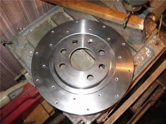 Перфорированный тормозной диск плюсы и минусы