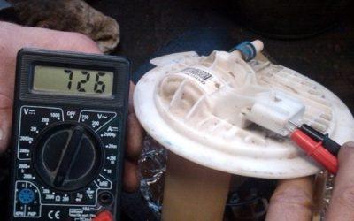 Как проверить датчик уровня топлива мультиметром?