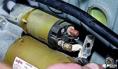 Почему трещит стартер при запуске двигателя?