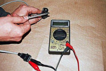Проверка датчика положения распредвала мультиметром