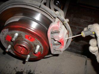 Не разводятся колодки на дисковых тормозах