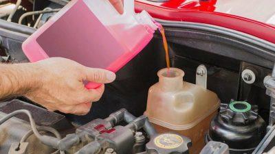 Можно ли доливать антифриз на горячий двигатель?