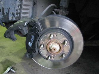 Зажало колодки на дисковых тормозах
