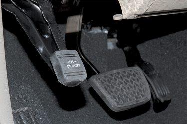 Ножной стояночный тормоз и как им пользоваться?