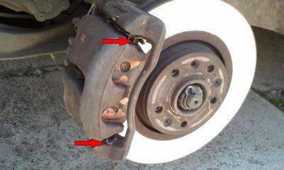 Почему гремят передние тормозные колодки?