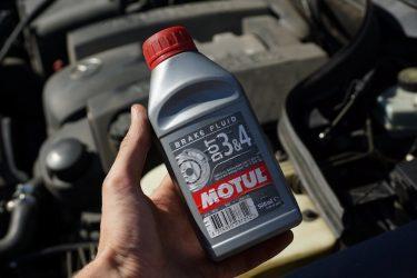 Как выбрать тормозную жидкость для автомобиля?