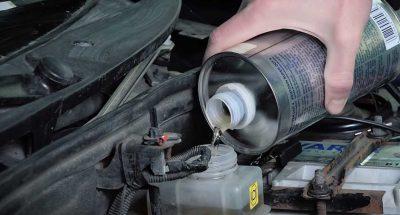 Зачем менять тормозную жидкость в автомобиле?
