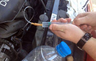 Опасен ли перелив масла в двигатель?