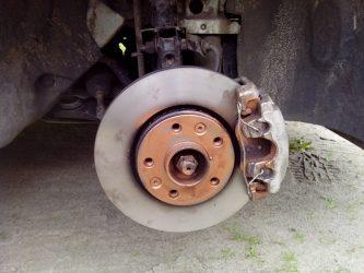 Гудят тормоза при торможении на машине