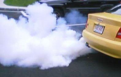Черный выхлоп из глушителя бензиновый двигатель причины